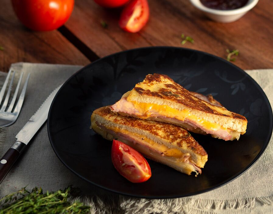 Monte Cristo Sandwich  (Ham and Cheese French Toast)